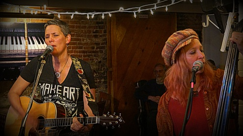 liz frame and the kickers liz and lynn 1